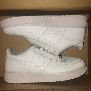 Air Force One Low, (All White)